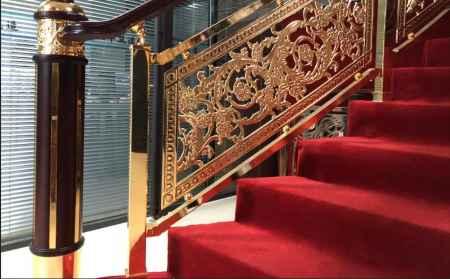 福建铝艺雕花别墅楼梯护栏|铝艺雕花别墅楼梯护栏