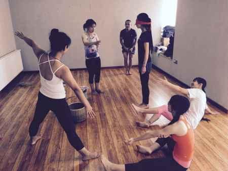 肩颈舒缓瑜伽培训